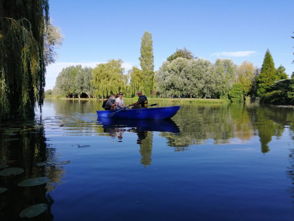 Votre barque à disposition
